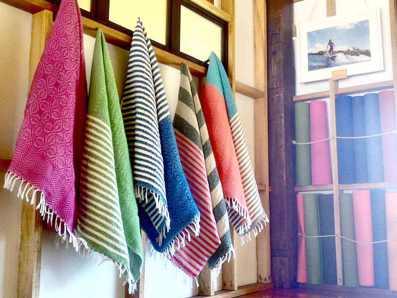 aquanimous yoga towel
